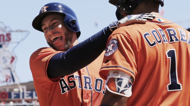 Astros pound Twins 17-6 to complete sweep
