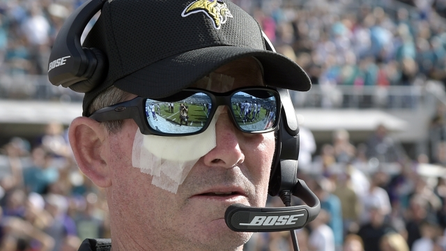 Vikings' Zimmer: 'I'll be back shortly with one eye or two'