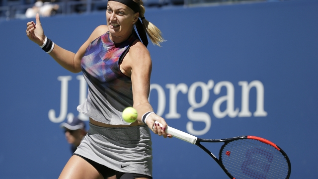 As US Open's 3rd round begins, 5 women still chasing No. 1