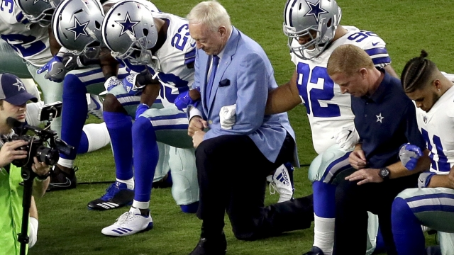 Jerry Jones joins Cowboys in taking knee in protest
