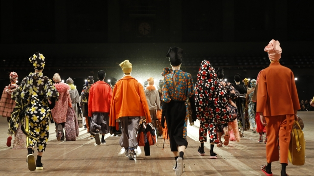 Marc Jacobs closes out Fashion Week with an operatic finale