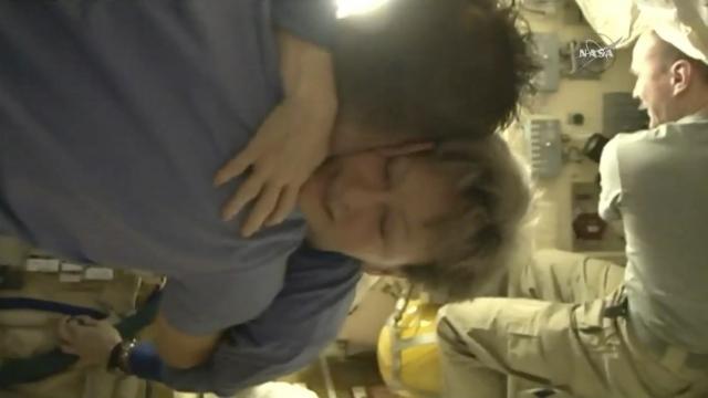 NASA's space champ returns to Earth, logs 665 days aloft