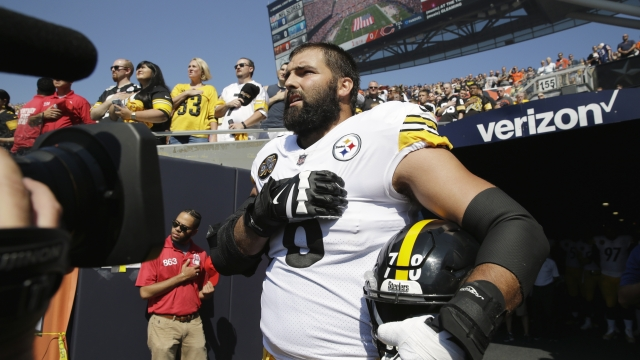 Steelers player who stood for national anthem has top-selling jersey