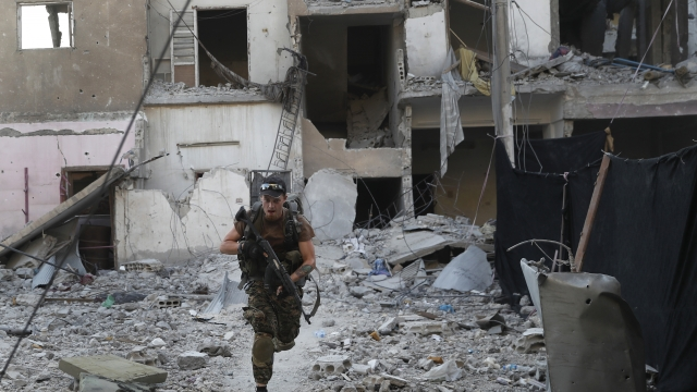 Syria: Battle for IS capital reaches 'final stages'