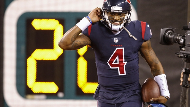 Texans' Watson wins 1st start vs historically bad Bengals