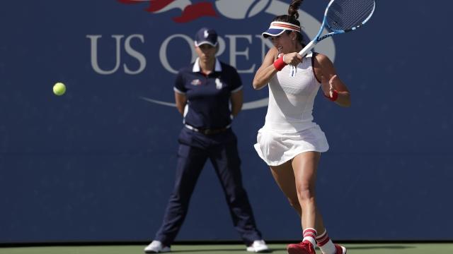 The Latest: Muguruza easily advances to US Open 4th round