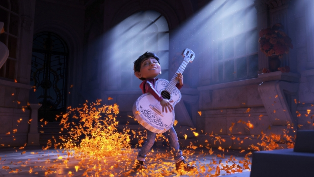 'Coco' tops box office again before 'Star Wars' hits