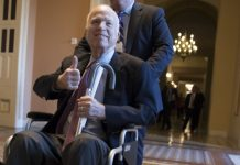 McCain treated for viral infection, returns home to Arizona
