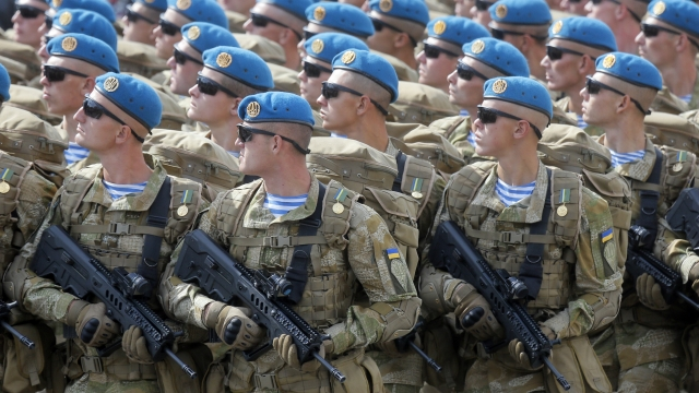 US agrees to send lethal weapons to Ukraine, angering Russia