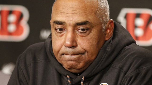 Bengals give coach Marvin Lewis 2-year extension