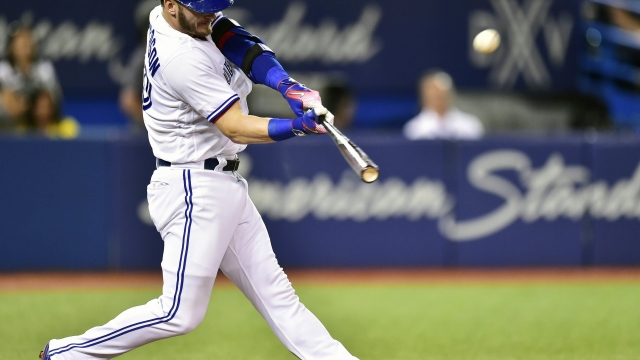 Blue Jays, Donaldson avoid arbitration with record $23M deal