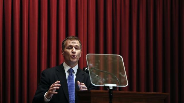 Missouri Gov. Greitens acknowledges affair, denies blackmail