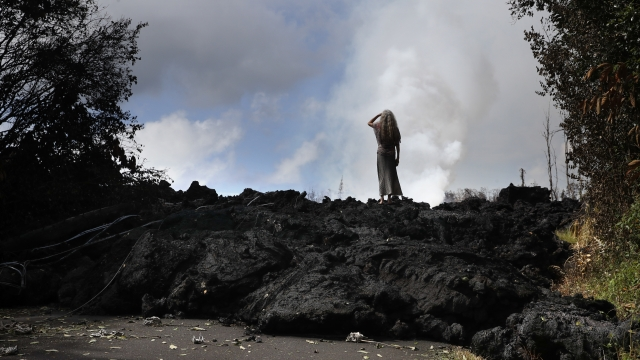 As lava oozes, Hawaii officials say rest of island is open