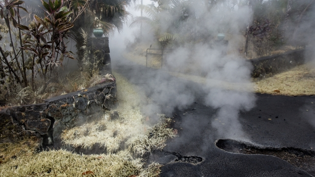 Geologist warn of possible explosive event at Hawaii volcano