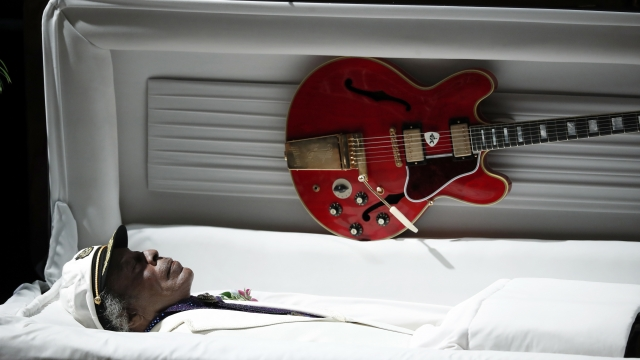 Gibson guitars could have future under bankruptcy protection
