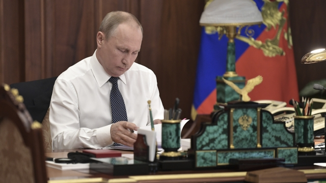 Putin promises economic reforms as he takes oath of office