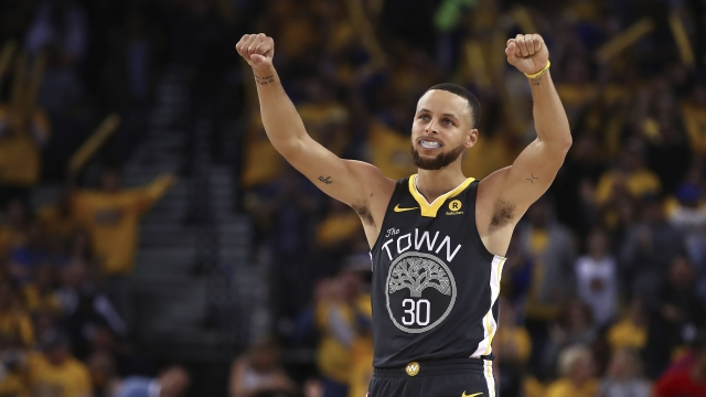 Stephen Curry returns to score 28, Warriors beat Pelicans