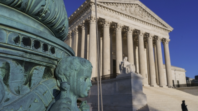 SUPREME COURT NOTEBOOK: Mystery, a faux pas, wordy Breyer