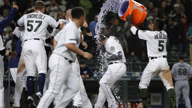 Zunino's HR in the 12th gives Mariners 4-3 win over Twins