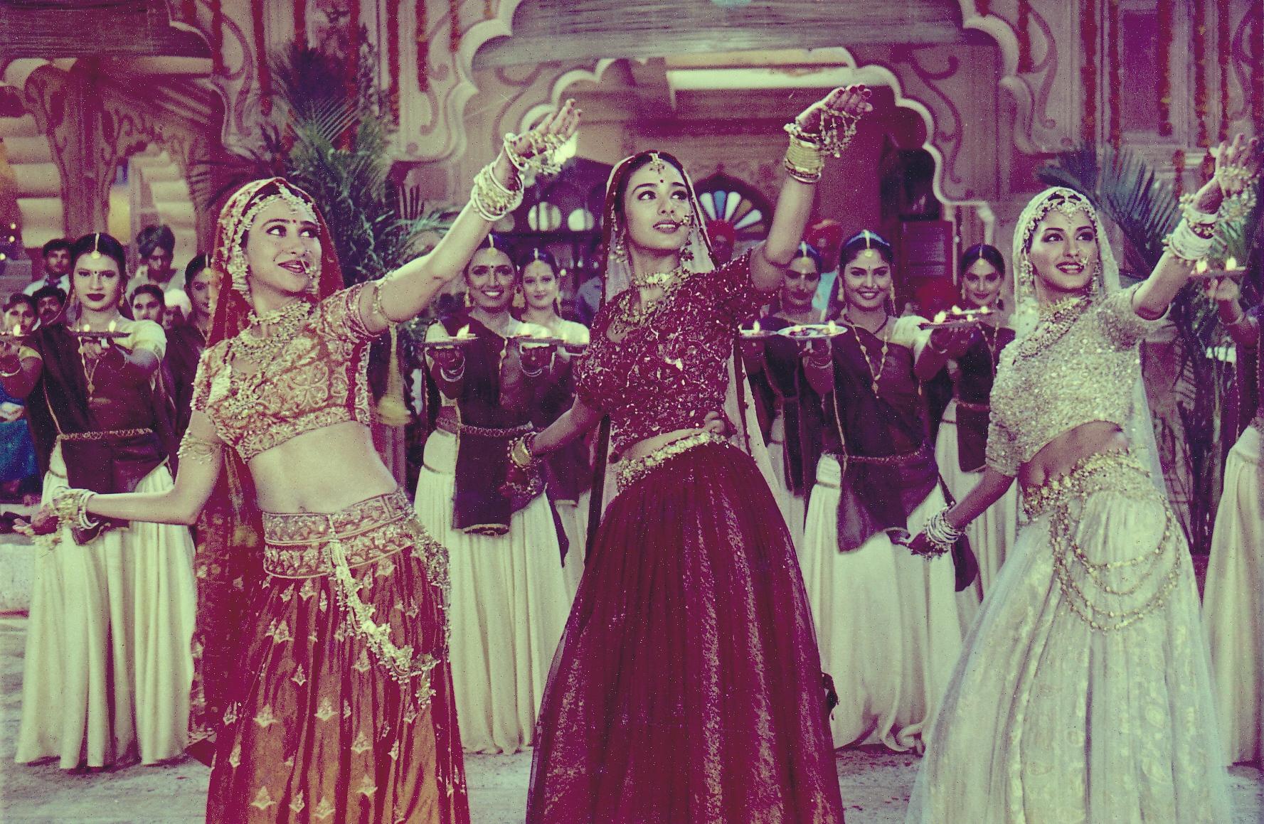 Maiya Yashoda - A Still From Hum Sath Sath Hain