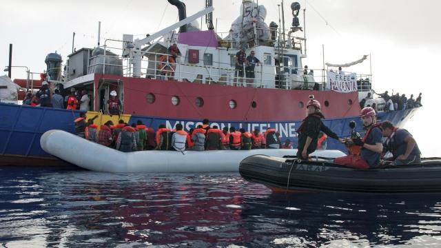 Debate over migrants divides EU; Mini-summit seeks solutions