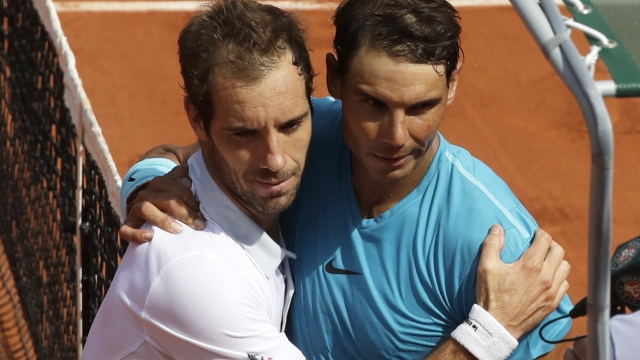 Nadal easily beats Gasquet to reach 4th round at French Open