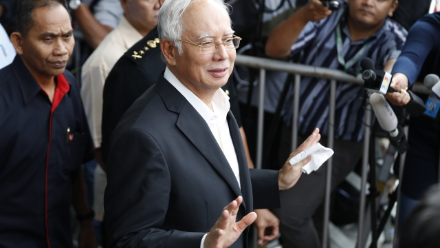 Former Malaysian leader arrested, to be charged for graft