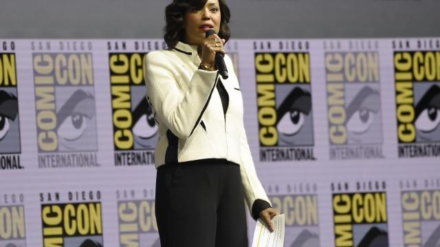Gal Gadot shows 'Wonder Woman 1984' first look at Comic-Con