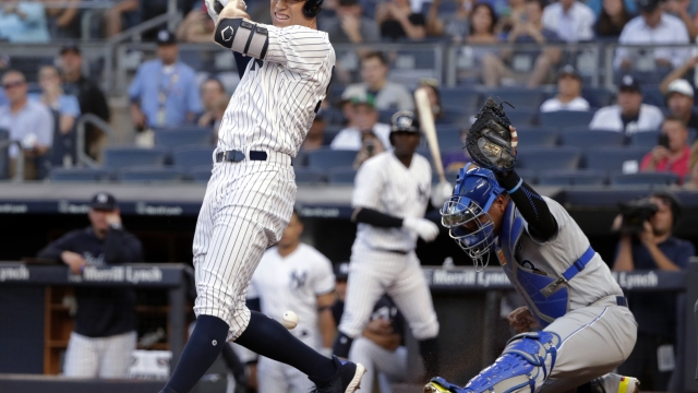 Judge fractures wrist on hit by pitch, Yanks beat Royals 7-2