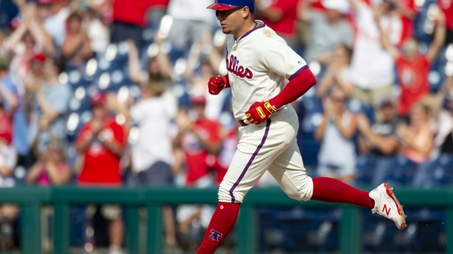 Cabrera's 2-run HR in 8th lifts Phillies to sweep of Marlins
