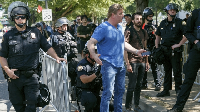 Some arrested as right-wing rally, counter-protesters clash